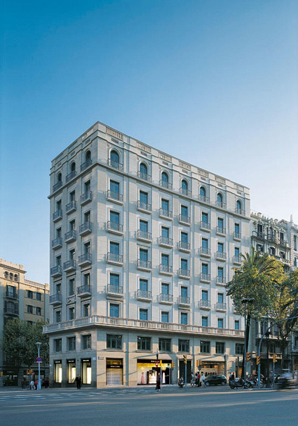 Edifici d´oficines a Diagonal propietat de Colonial